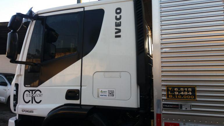 Iveco Tector 170-E28 4x2 (Teto Alto)  - Foto #6
