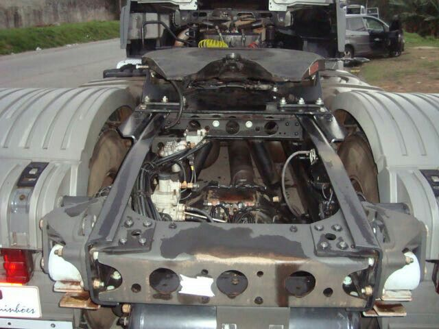 Mercedes-Benz Axor 2035 S 4X2 - Foto #6
