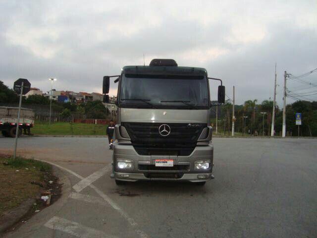 Mercedes-Benz Axor 2035 S 4X2 - Foto #9