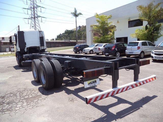 Iveco Tector Stradale 240-E25S 6X2 (3 Eixos) - Foto #6