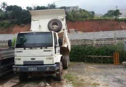 Ford Cargo 2628 E 6X4 (3 Eixos)