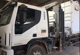 Iveco Tector Stradale 240-E25S 6X2 (3 Eixos)