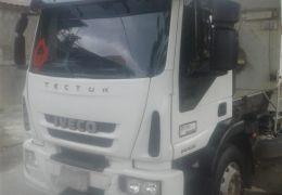 Iveco Tector Attack 240-E28 6x2 (Teto Baixo)