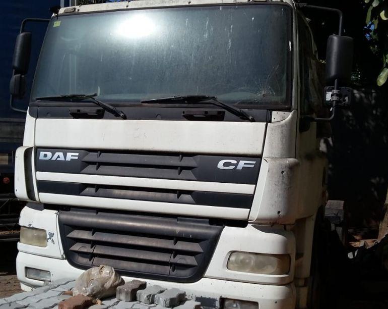 DAF CF 85 FTS 360 6x2 (Sleeper Cab) - Foto #1