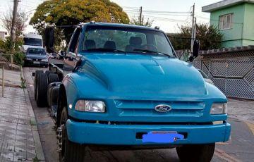 Ford F-14000 HD (3 Eixos)