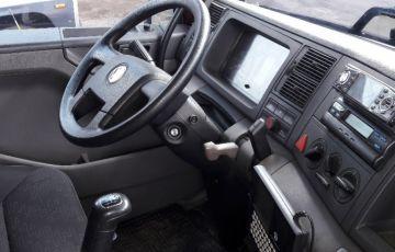 Volkswagen Constellation 25.390 6x2 Tractor - Foto #6