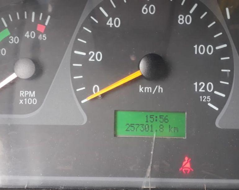 Mercedes-Benz Accelo 715-C 4X2 - Foto #5
