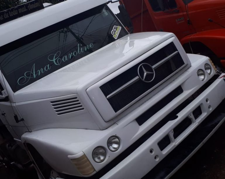 Mercedes-Benz L-1630 (3 Eixos) - Foto #1