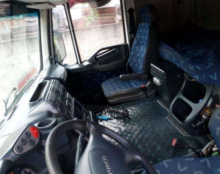 Iveco Stralis NR 740-S46T  6X4 (T.Alto 3 Eixos) - Foto #7