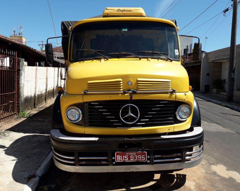 Mercedes-Benz L-2013 (3 Eixos) - Foto #1