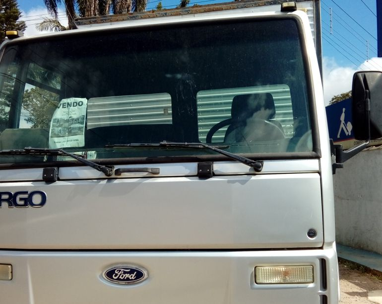 Ford Cargo 712-T 4X2 - Foto #1