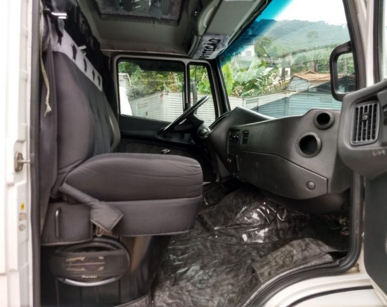 Mercedes-Benz 2423 6X4 (3 Eixos) - Foto #2