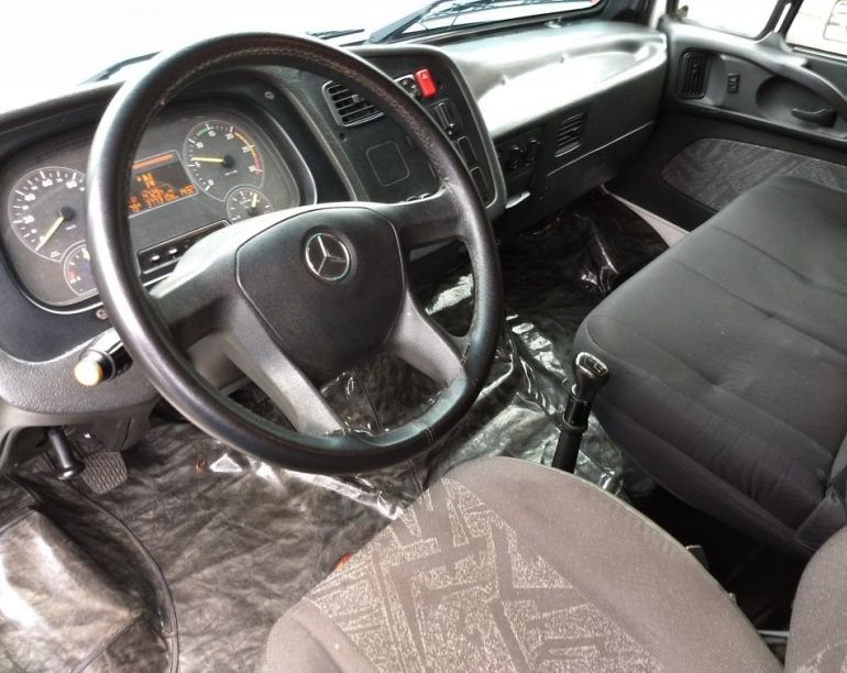 Mercedes-Benz 2423 6X4 (3 Eixos) - Foto #5