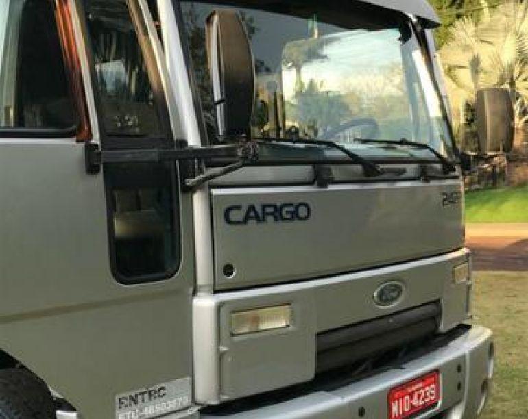Ford Cargo 1113 - Foto #1