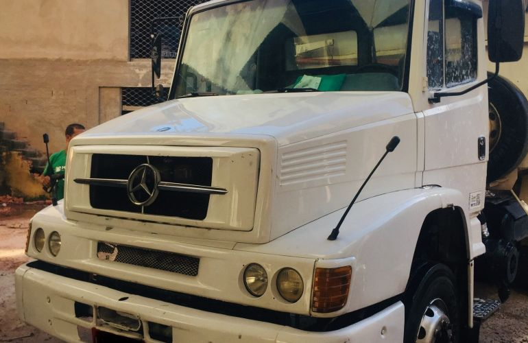 Mercedes-Benz L-1620 (3 Eixos) - Foto #1