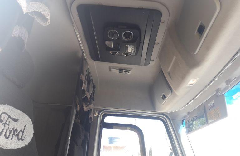 Ford Cargo 2429 Leito - Foto #1