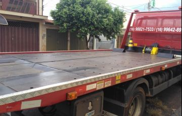 Ford Cargo 712-T 4X2 - Foto #2
