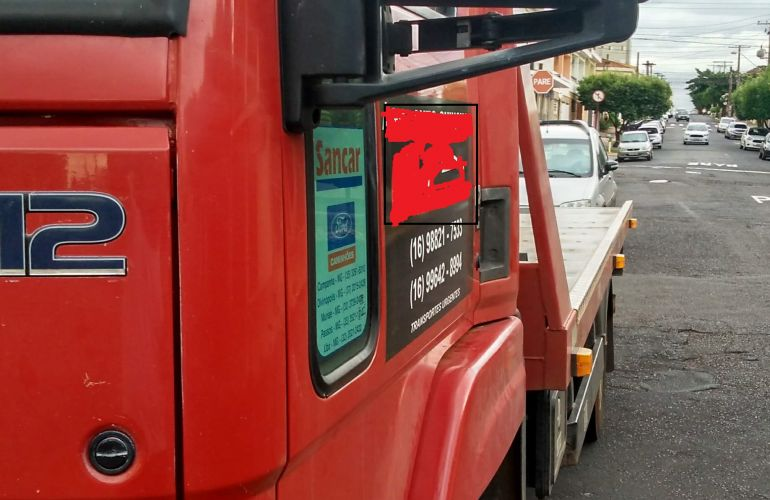 Ford Cargo 712-T 4X2 - Foto #3