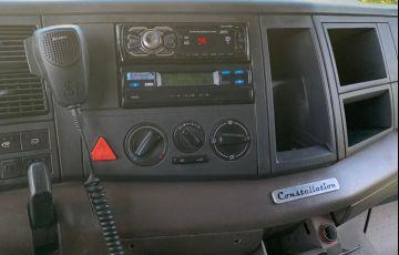 Volkswagen Constellation 25.390 6x2 Tractor - Foto #5
