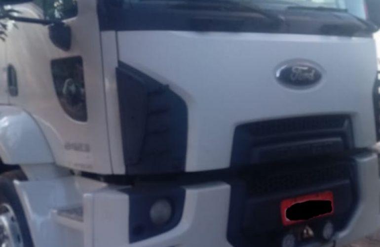 Ford Cargo 2423 Leito - Foto #1