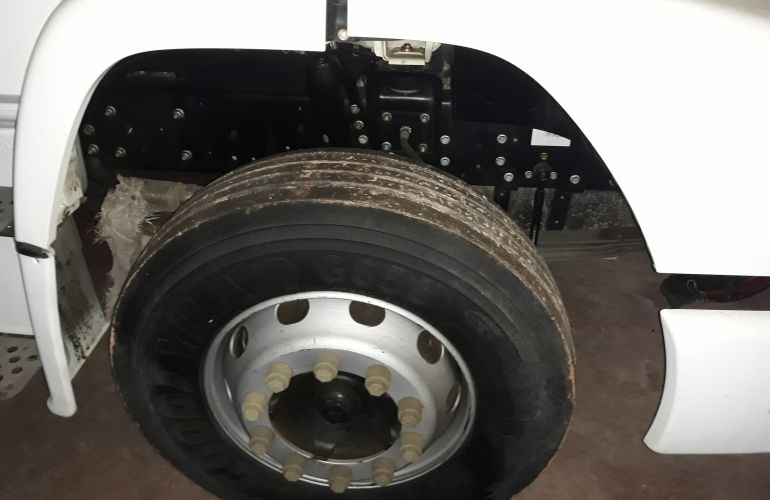 Mercedes-Benz Atron 1319 - Foto #9