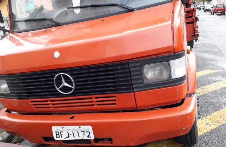 Mercedes-Benz 709 - Foto #2