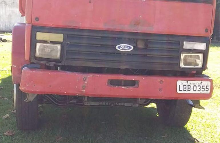 Ford Cargo 1215 (3 Eixos) - Foto #3