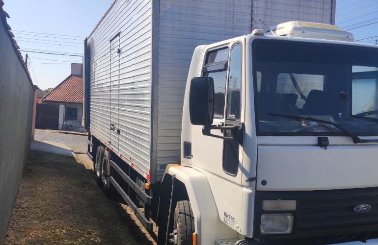 Ford Cargo 1421 Turbo (3 Eixos) - Foto #1