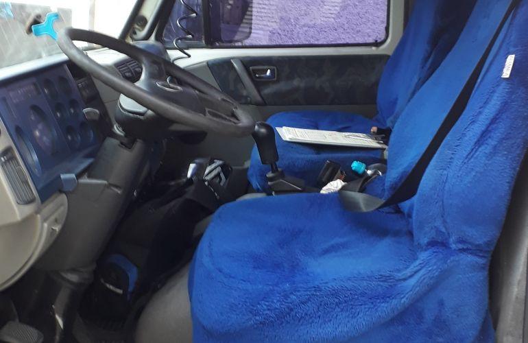 Volkswagen 8.120 Turbo - Foto #4