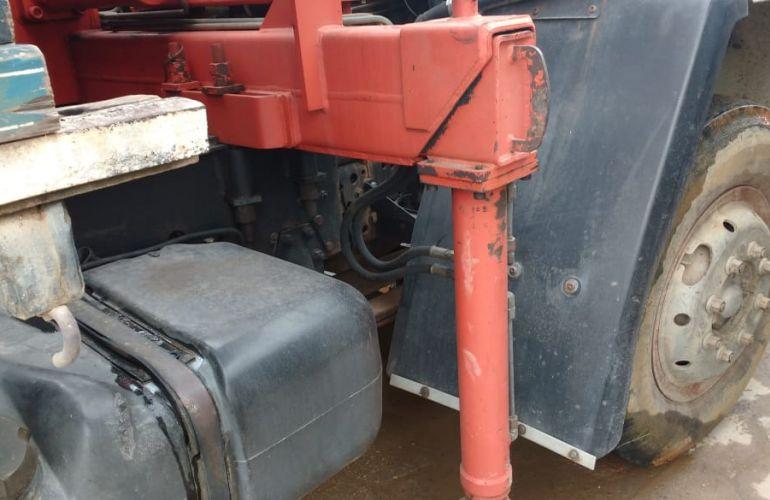 Ford Cargo 1215 (3 Eixos) - Foto #2