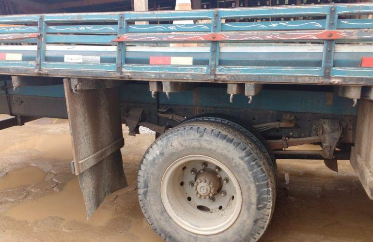 Ford Cargo 1215 (3 Eixos) - Foto #4