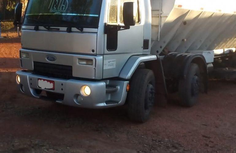 Ford Novo Cargo 2428 - Foto #4