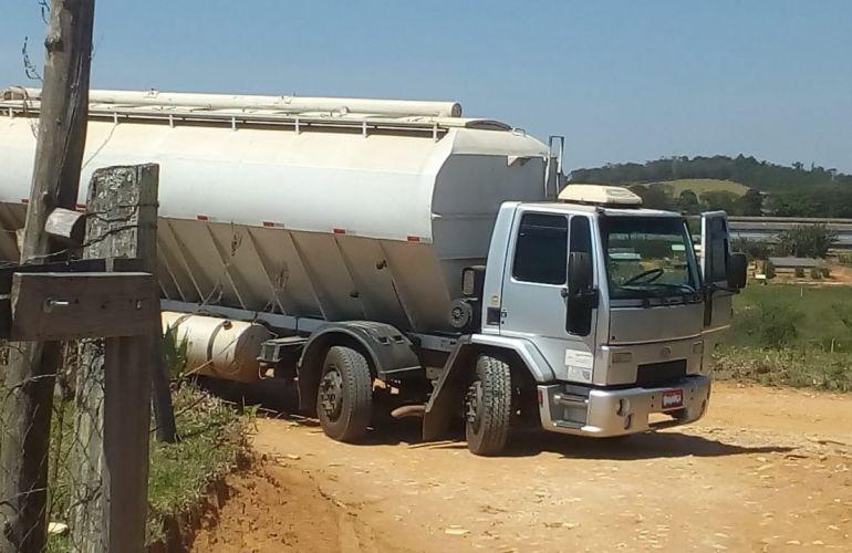 Ford Novo Cargo 2428 - Foto #7