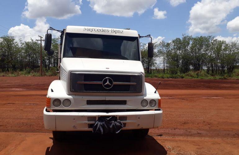 Mercedes-Benz L-2318 6X2 (3 Eixos) - Foto #1