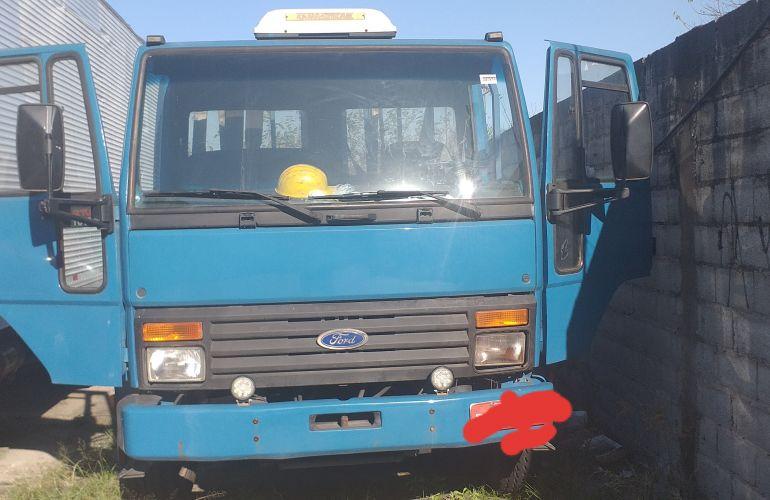 Ford Cargo 1617 (3 Eixos) - Foto #9