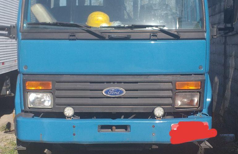 Ford Cargo 1617 (3 Eixos) - Foto #10