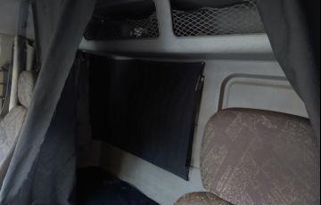 Mercedes-Benz Atron 2324 (6X2) - Foto #2