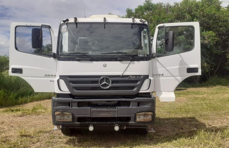Mercedes-Benz Axor 3344 6X4 (3 Eixos)(Cavalo) - Foto #5
