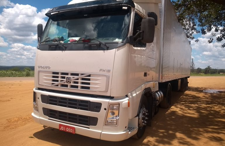 Volvo FH-12 380 (Globetrotter) 4X2 - Foto #1