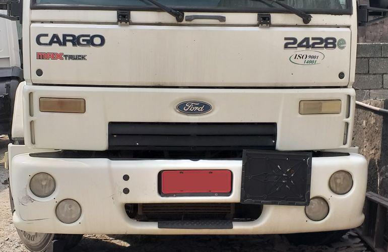Ford Cargo 2428 E 6X2 (3 Eixos) - Foto #9