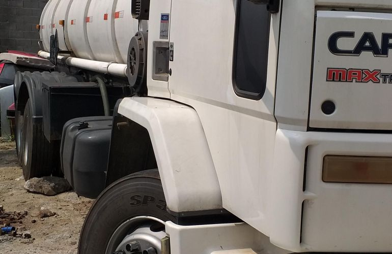Ford Cargo 2428 E 6X2 (3 Eixos) - Foto #1