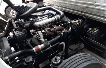 Volkswagen 8.150 Turbo - Foto #2