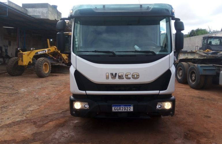 Iveco Tector 240-E28 6X2 (Teto Baixo) - Foto #3