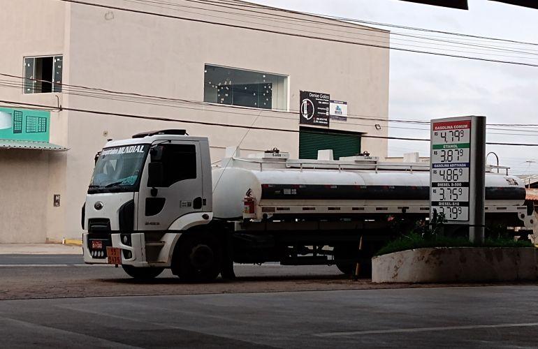 Ford Cargo 2423 - Foto #1