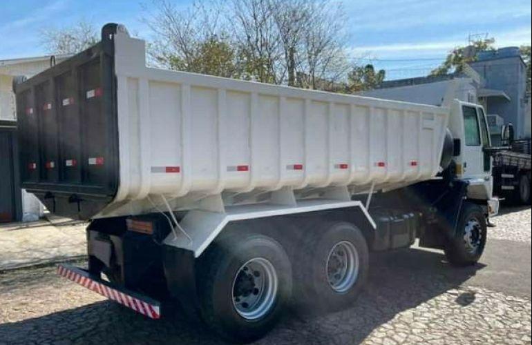 Ford Cargo 2628 E 6X4 (3 Eixos) - Foto #9