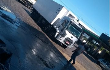 Ford Cargo 2429 Leito - Foto #4