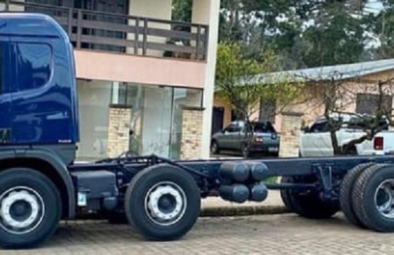 Scania P-310 B 8x2 (diesel) (E5) - Foto #2