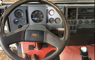 Ford Cargo 2626 6X4 (3 Eixos)