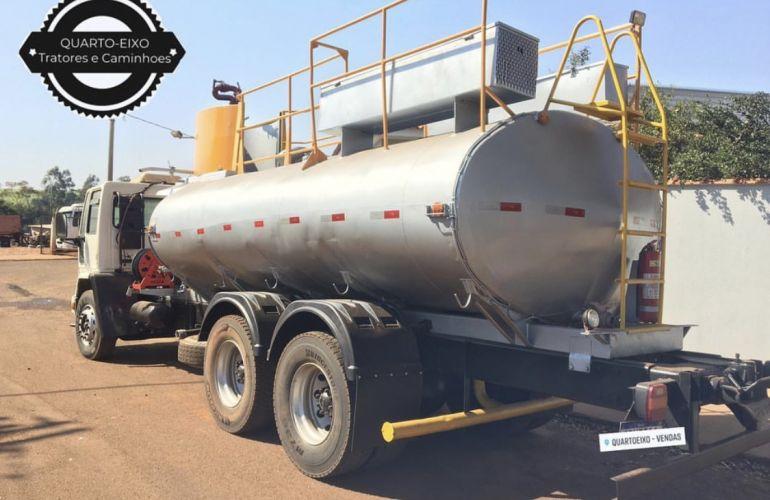 Ford Cargo 2626 6X4 (3 Eixos) - Foto #2