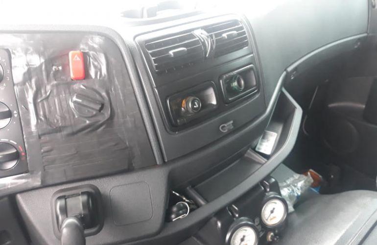 Mercedes-Benz Atego 2426 (6X2) - Foto #1